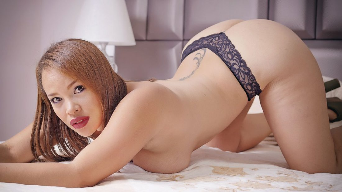 escort girl en tanga